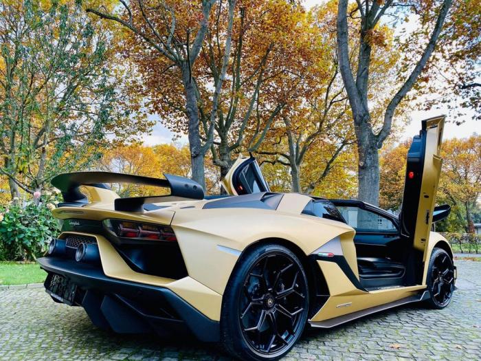 Lamborghini Aventador SVJ Roadster có giá, 800 chiếc Lamborghini Aventador SVJ roadster, giá xe Lamborghini Aventador SVJ roadster, quốc cường mua siêu xe, Lamborghini Aventador SVJ Roadster về việt nam