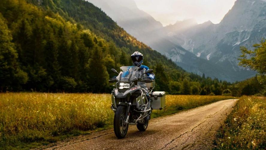 Kawasaki Versys 650, KTM 790 Adventure R, honda crf1100l africa twin, Honda CB500X, BMW R1250GS Adventure